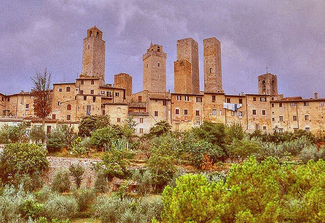View of the medieval town of San Gimignano in Tuscany, northern Italy.